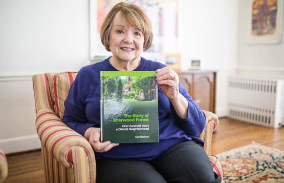 Gail Rodwan holding The Story of Sherwood Forest